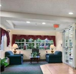 The lobby or reception area at Microtel Inn by Wyndham Spartanburg Duncan