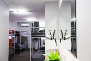 The fitness center and/or fitness facilities at Mad Monkey Backpackers Waterfront