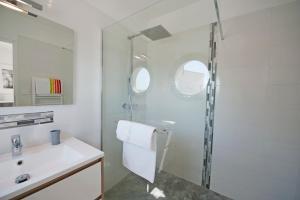 A bathroom at La Moulinière