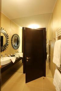 O baie la Hotel Orhideea