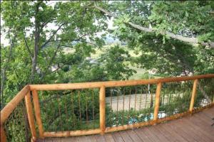 A balcony or terrace at Les Cabanes en Provence