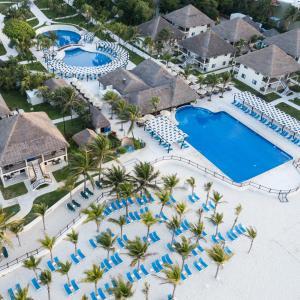 Uitzicht op het zwembad bij Allegro Playacar - All Inclusive Resort of in de buurt