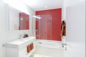 A bathroom at Hirschenplatz Apartments