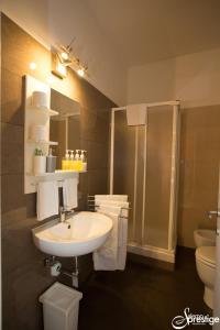 A bathroom at Salernoprestige