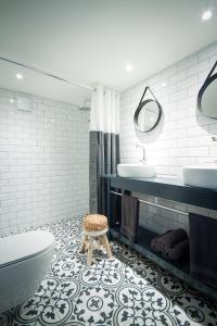 A bathroom at Joans B&B
