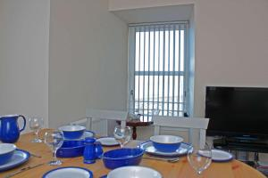 A restaurant or other place to eat at Apartment 8, The Granary