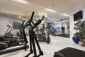 The fitness center and/or fitness facilities at Maritim Titisee Hotel
