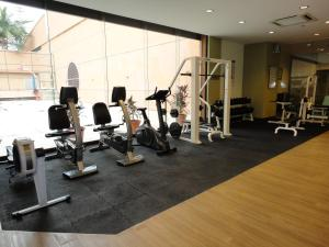 The fitness centre and/or fitness facilities at Luxy Service Suites At Times Square