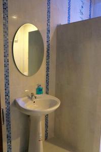 ห้องน้ำของ จันท์พระยา รีสอร์ท