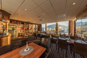 En restaurant eller et spisested på Sortland Hotel