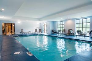 The swimming pool at or near Comfort Inn & Suites East Ellijay