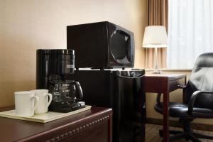 Coffee and tea-making facilities at Travelodge by Wyndham Toronto East