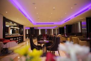 مطعم أو مكان آخر لتناول الطعام في Plaza Business Hotel