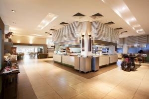 Um restaurante ou outro lugar para comer em Rio Quente Resorts - Hotel Pousada