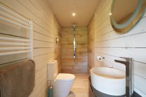 A bathroom at The Wheatsheaf Combe Hay