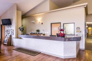 The lobby or reception area at Quality Inn Selah North Park
