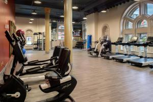 The fitness center and/or fitness facilities at St. Louis Union Station Hotel, Curio Collection by Hilton