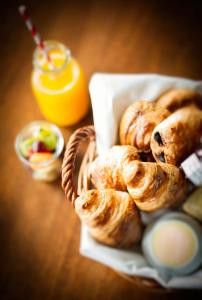 Breakfast options available to guests at Hotel du Vin Cheltenham