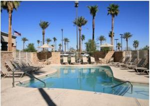 The swimming pool at or near Hampton Inn & Suites Las Vegas-Red Rock/Summerlin
