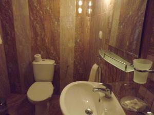 Баня в Хотел Силвър - Ол Инклузив и Безплатен Паркинг