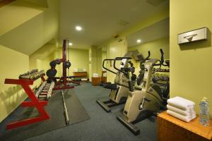 The fitness center and/or fitness facilities at Marrol's Boutique Hotel