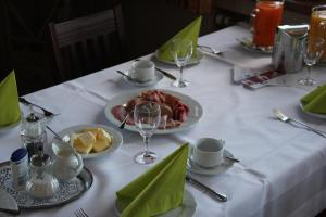 A restaurant or other place to eat at Gasthaus Eickholt Hotel-Restaurant