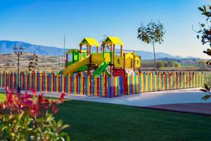 Детска площадка в Мантар Спа Хотел