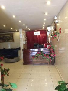 O saguão ou recepção de Rayatna For Furnished Apartments 3