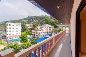 Балкон или терраса в Surin Sunset Hotel - SHA