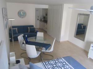 Zona de estar de Los Cristianos studio, modern, spacious, pool,WiFi