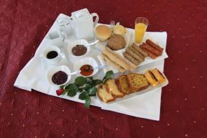 Breakfast options available to guests at Hotel Panellinion