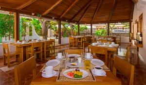 A restaurant or other place to eat at Hotel Fiesta