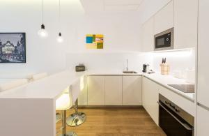 Una cocina o zona de cocina en Malasaña Plaza by Madflats Collection