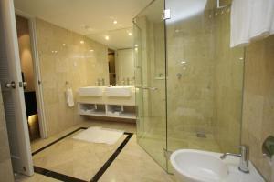A bathroom at The Jerai Hotel Alor Star