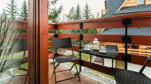 Restauracja lub miejsce do jedzenia w obiekcie Rent like home - Strzelców 24C