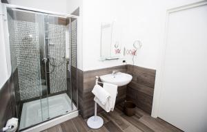 A bathroom at Sea Room Sorrento
