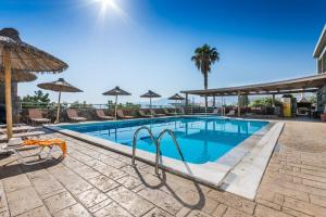 The swimming pool at or close to Dias Hotel & Apts