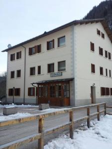Casa Alpina Sacro Cuore durante l'inverno