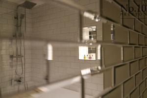 A bathroom at No.10 Preston