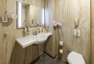 Ванная комната в Central City Hotel Makhachkala