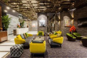 Hotel Platiniaのロビーまたはフロント