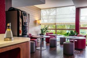 Salon ou bar de l'établissement Campanile Créteil Centre