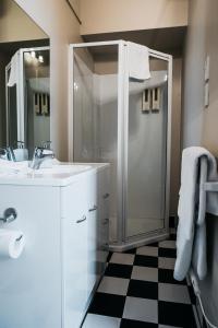 A bathroom at The Grange B&B
