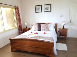 A bed or beds in a room at Summer Self Catering