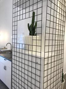 A bathroom at Salerno M'illumina