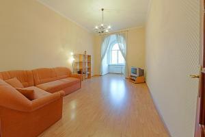 Гостиная зона в RentPiter Nevsky-96 2-room apart