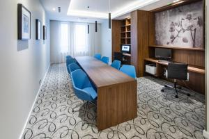 The business area and/or conference room at Hampton By Hilton Gdansk Oliwa