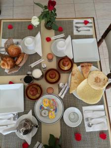 Breakfast options available to guests at Hotel Sindibad