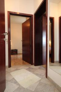 A bathroom at Apartments and rooms with parking space Mlini, Dubrovnik - 8994