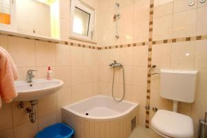 A bathroom at Apartments by the sea Mlini, Dubrovnik - 8971